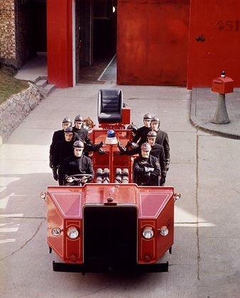 Fahrenheit 451, reż. F. Truffaut, brygada strażacka