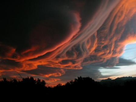 Czerwone chmury faliste, Götterdämmerung