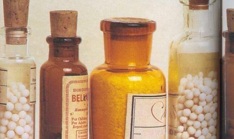 Butelki z lekami homeopatycznymi