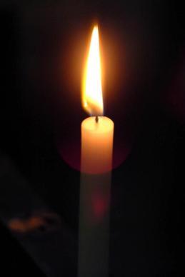 świeca paląca się